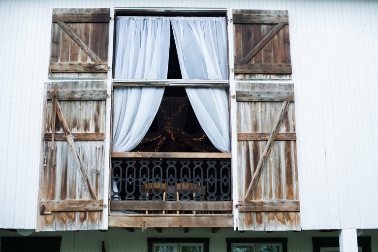the barn window and curtains at the Ohio Barn in Fairborn, Ohio